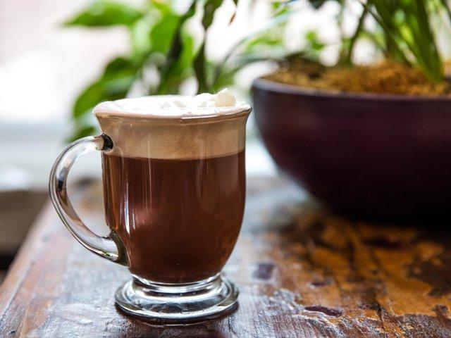 Кава з какао не лише смачна, а й дуже корисна - фото 411286