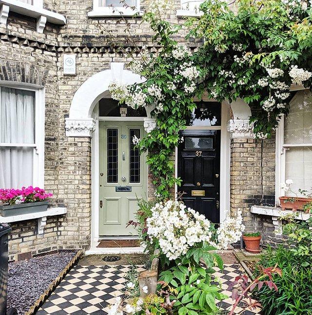 Квітучі помешкання Лондона, які приковують погляд (фото) - фото 411727