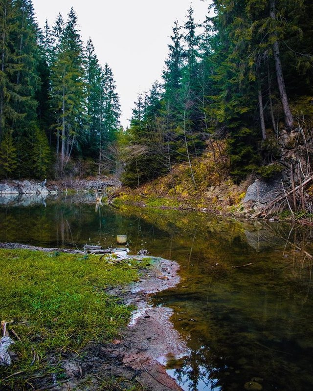 У Карпатах через негоду зникло смарагдове озеро: фото ДО і ПІСЛЯ - фото 412032