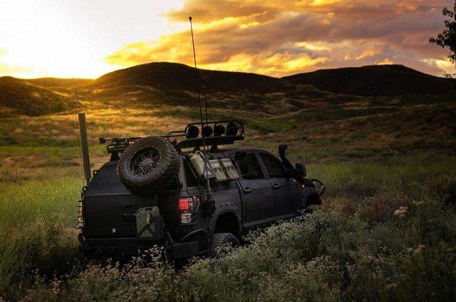Для порятунку під час апокаліпсису: з молотка пустять круту Toyota Tundra - фото 412326