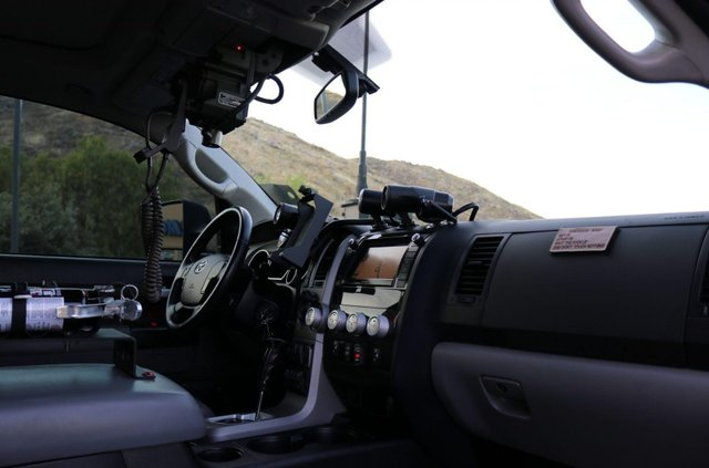 Для порятунку під час апокаліпсису: з молотка пустять круту Toyota Tundra - фото 412328