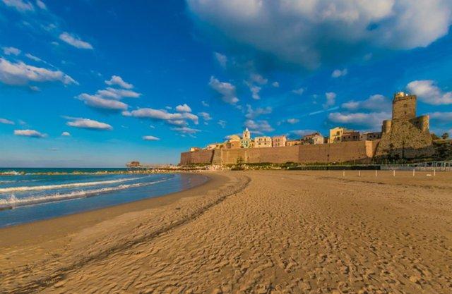 Пляж у регіоні Молізе - фото 412440