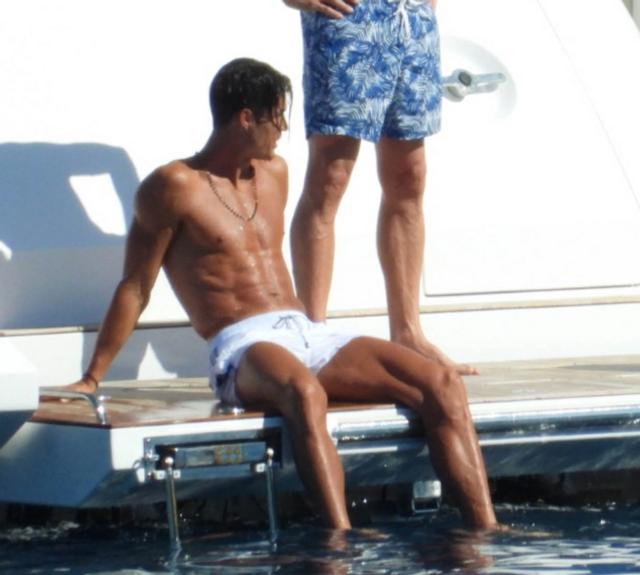 Як Кріштіану Роналду релаксував за 33 тисячі євро: у мережу злили фото гарячого вікенду - фото 412822