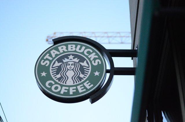 Starbucks не відкриють в Україні - фото 413271