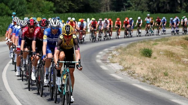 Велосипедна гонка Тур де Франс пройде у віртуальній реальності - фото 413373