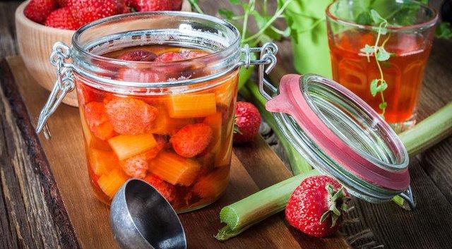 Варення з ревеню: як приготувати смачні закрутки на зиму - фото 413382