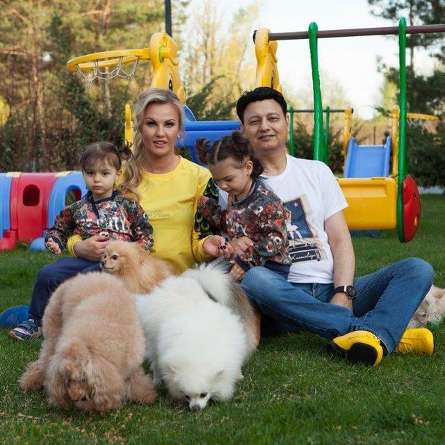 Лабрадор Melovina і болонка Каменських: добірка зіркових песиків до Дня собак - фото 413660