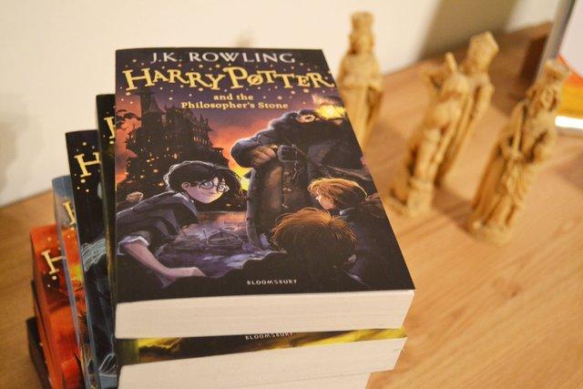 Романи про Гаррі Поттера нарешті пройшли цензурування у КНДР - фото 413826