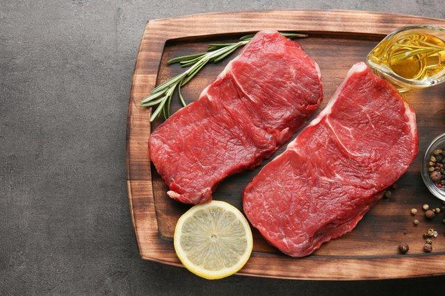 Червоне м'ясо містить цинк - фото 413886