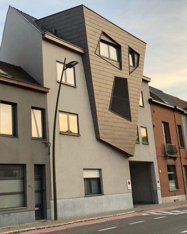 Потворна бельгійська архітектура, яка дивує: епічні фото - фото 414085