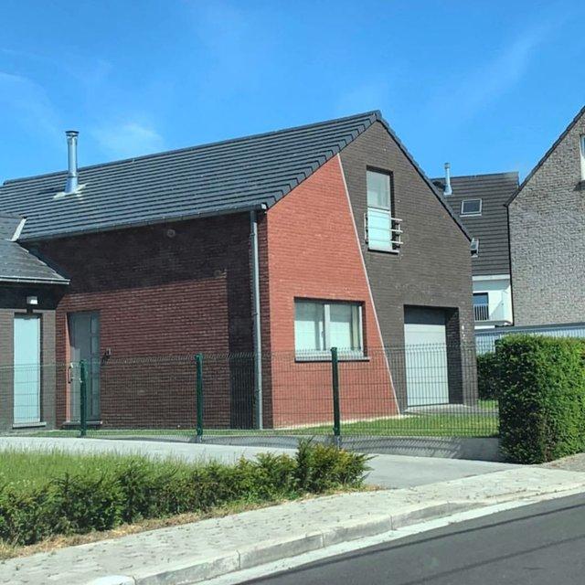 Потворна бельгійська архітектура, яка дивує: епічні фото - фото 414094