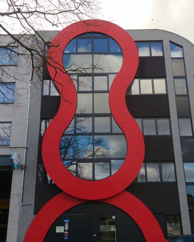 Потворна бельгійська архітектура, яка дивує: епічні фото - фото 414098