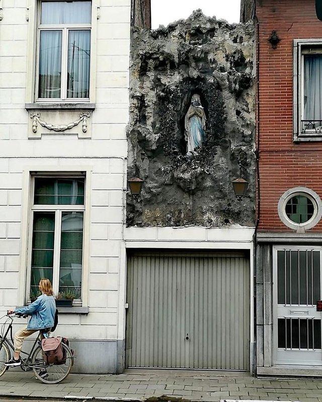 Потворна бельгійська архітектура, яка дивує: епічні фото - фото 414107