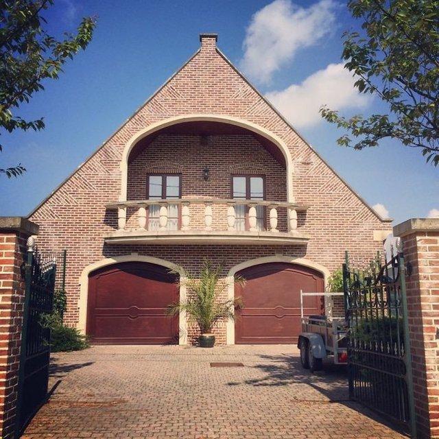 Потворна бельгійська архітектура, яка дивує: епічні фото - фото 414111