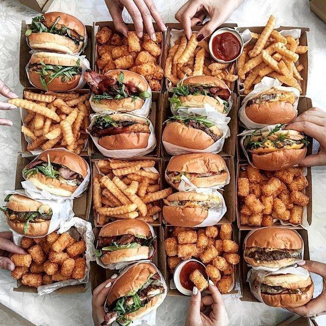 Ці продукти збільшують ризик ожиріння - фото 414258