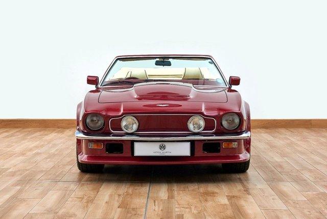 Вінтажний Aston Martin Девіда Бекхема продають за пів мільйона - фото 414337