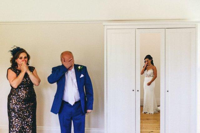 Особливий момент весілля: добірка трепетних фото, як тати віддають дочок заміж - фото 414599