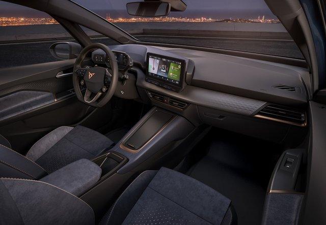 SEAT представили свій перший електромобіль - фото 414830