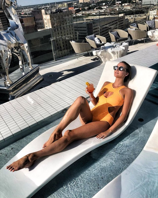 Анна Різатдінова показала, як слід відпочивати - фото 415367