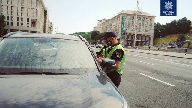 Поліція отримала право зупиняти водіїв без конкретної причини: що змінилось - фото 415744