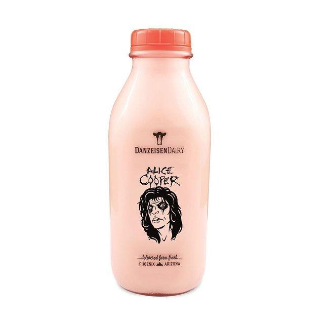 Рок-музикант Еліс Купер представив фірмове шоколадне молоко - фото 415881