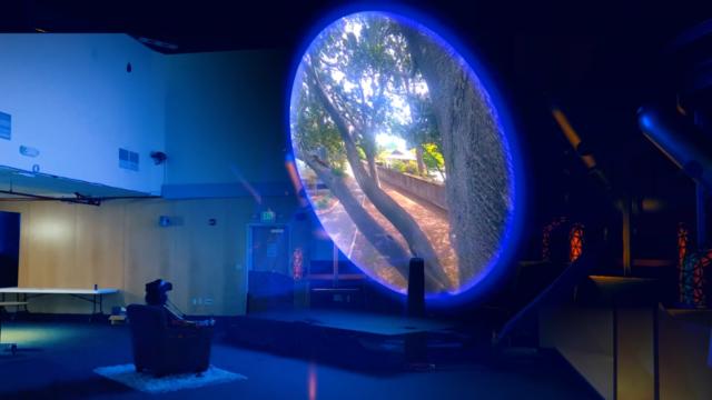 Блогер створив машину часу у VR, яка показує все, що відбувалося з ним за останній рік - фото 415887