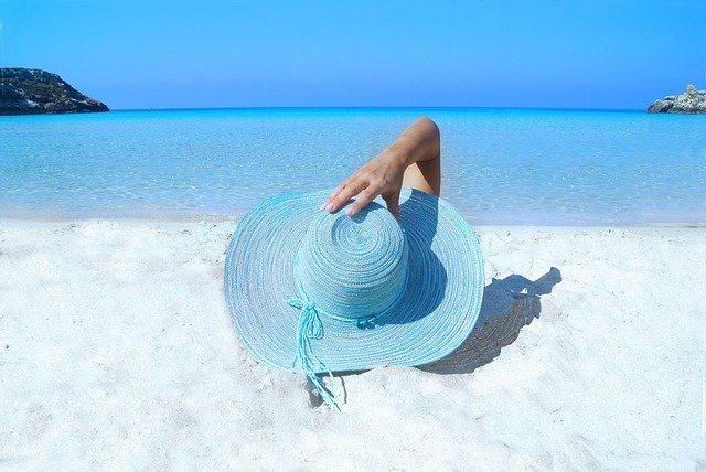 Відпочинок в Єгипті та Албанії: самоізоляція після повернення більше не потрібна - фото 415983