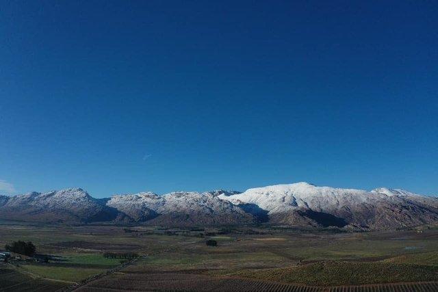 Південну Африку засипало снігом: вражаючі кадри - фото 416078