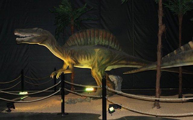 Парк Юрського періоду у себе вдома: в Канаді продають реалістичні фігури динозаврів - фото 416308
