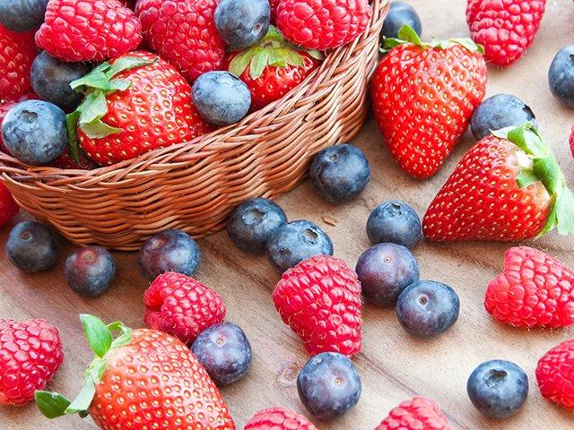 Влітку не варто забувати про ягоди - фото 416361