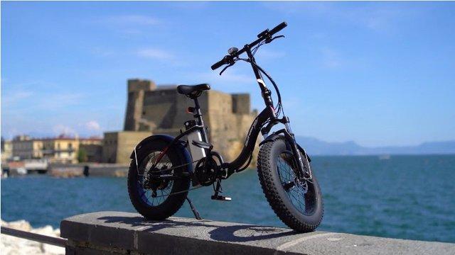 Представлено електровелосипед з педалями-поворотниками - фото 416839
