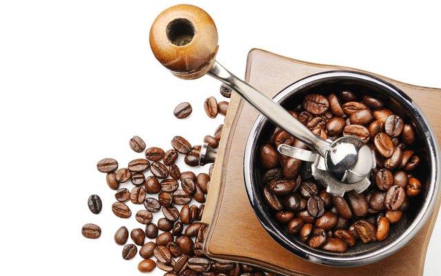Віддайте перевагу жерновій кавомолці - фото 416991