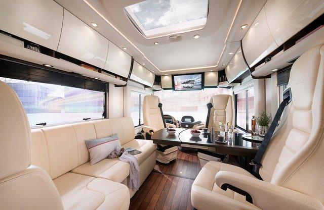 Німецька компанія Concode представила будинок на колесах з гаражем всередині: ефектні фото - фото 417245