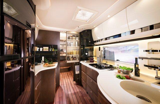 Німецька компанія Concode представила будинок на колесах з гаражем всередині: ефектні фото - фото 417246