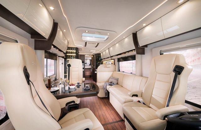 Німецька компанія Concode представила будинок на колесах з гаражем всередині: ефектні фото - фото 417247