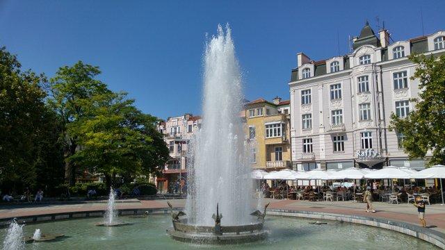 Болгарія не впустить туристів без тесту на COVID-19 - фото 417861
