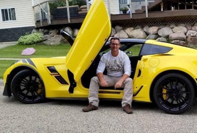 Історія, яка вражає: незрячий канадієць прозрів і відразу ж купив собі Chevrolet Corvette - фото 417965