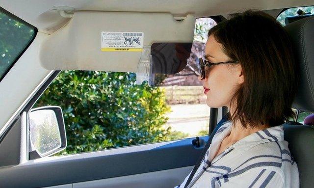 Винахідники придумали для водіїв простий спосіб уберегтися від сонячних променів - фото 417981