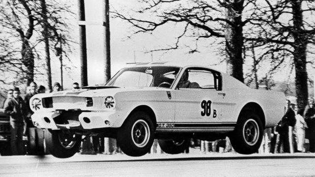 Ford Mustang Shelby продали за рекордні 3,85 мільйона доларів - фото 418289