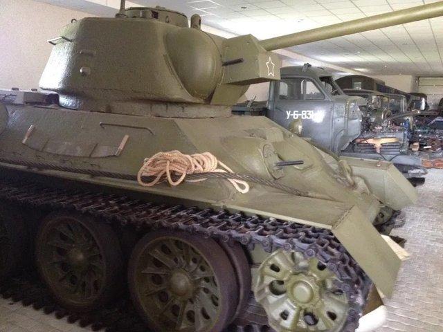 На OLX з'явилося оголошення про продаж раритетного танка: фото - фото 418444