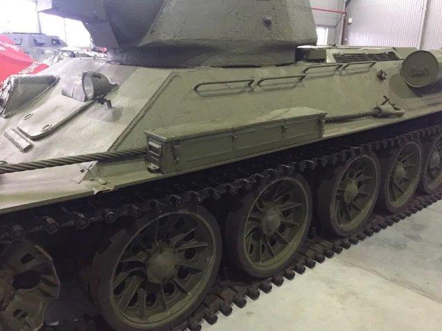 На OLX з'явилося оголошення про продаж раритетного танка: фото - фото 418445