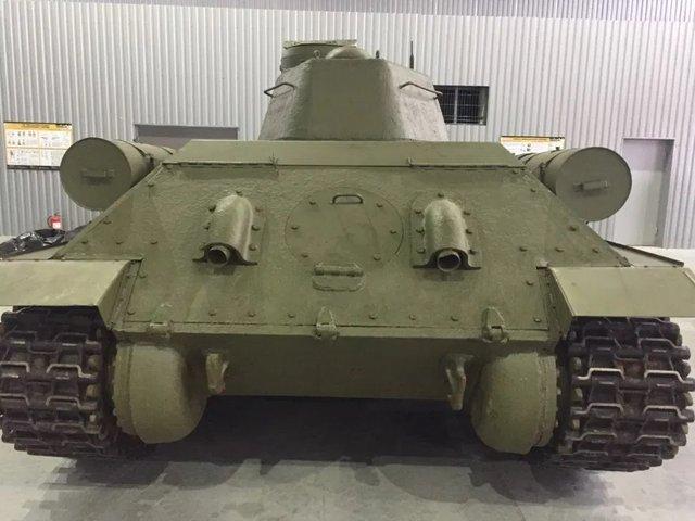 На OLX з'явилося оголошення про продаж раритетного танка: фото - фото 418446
