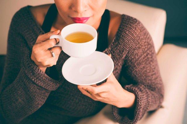 Пийте гарячий чай, а від кави відмовтесь узагалі - фото 419043