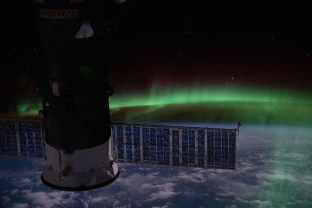У NASA показали найзахопливіші фото, які зробили під час історичної місії SpaceX - фото 419086