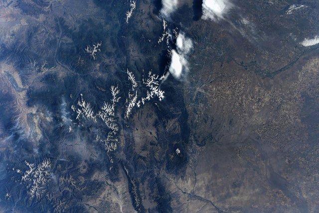 У NASA показали найзахопливіші фото, які зробили під час історичної місії SpaceX - фото 419089