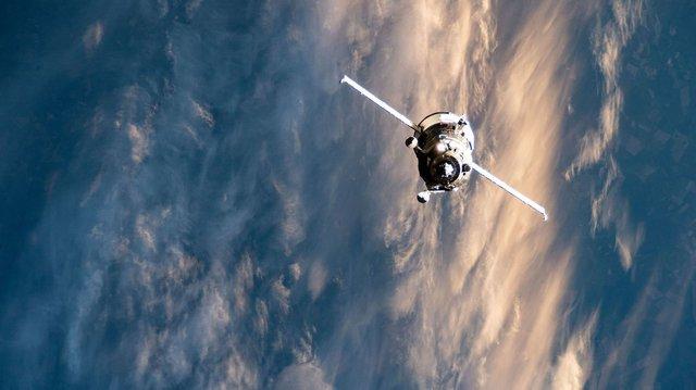У NASA показали найзахопливіші фото, які зробили під час історичної місії SpaceX - фото 419092