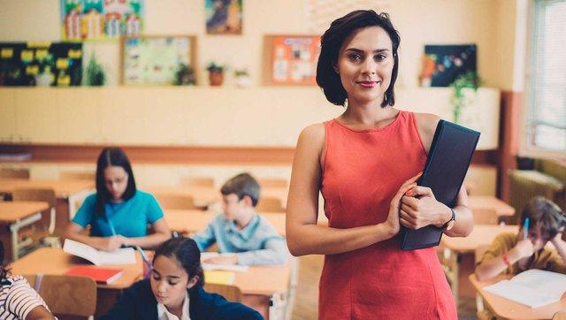 Професія вчителя пов'язана з постійним стресом - фото 419172