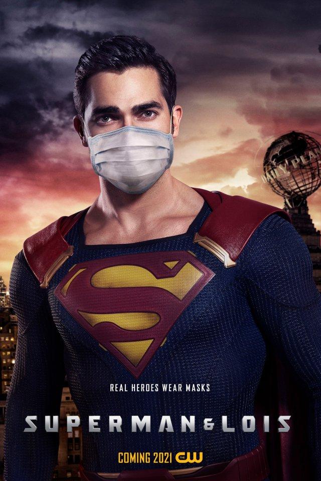 Герої носять маски: канал CW випустив постери, які нагадують про захист під час COVID-19 - фото 419184