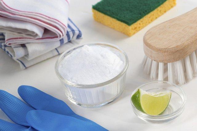 Насипте на одяг харчову соду - фото 419266