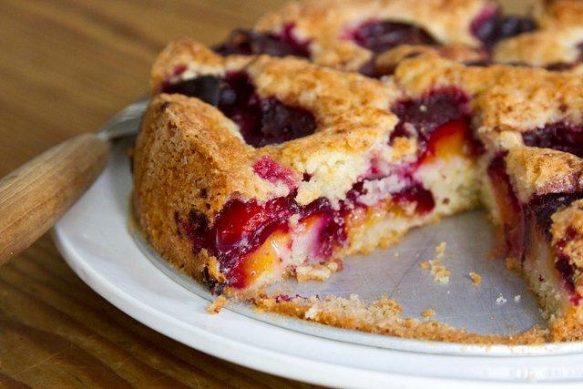 Рецепт сливового пирога від The New York Times, який уже став легендарним - фото 419296